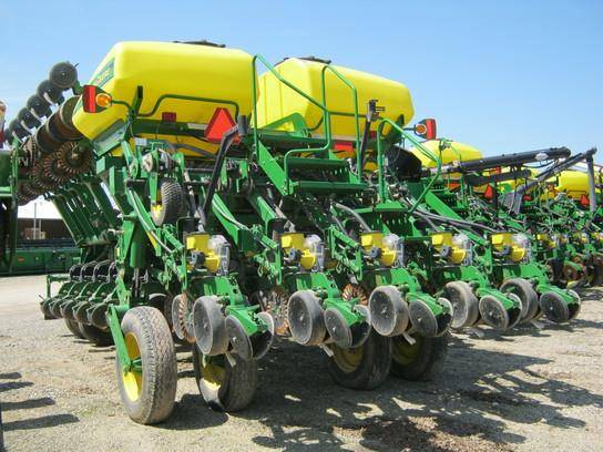 1790 Row Crop Planters For Sale 41 Total Results Farm Country Trader